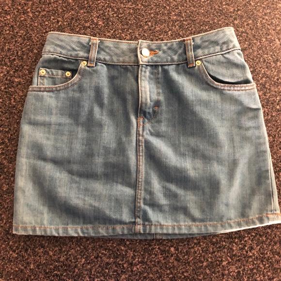 H&M Dresses & Skirts - Super Cute Denim Mini Skirt - H&M